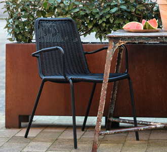 Wander dining chair black