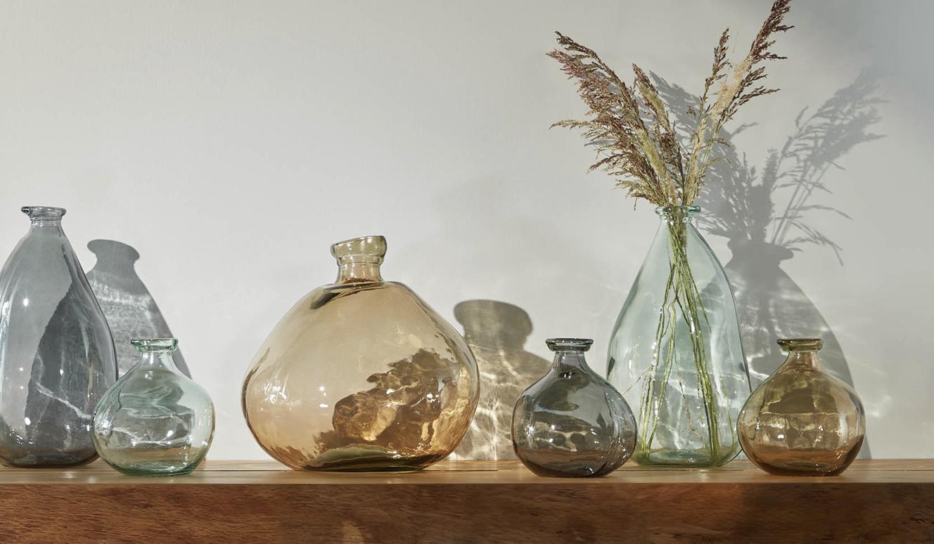 Breena kleine glazen vaas bruin 100% gerecycled
