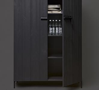 Bruut 2 door cabinet pine black [fsc]